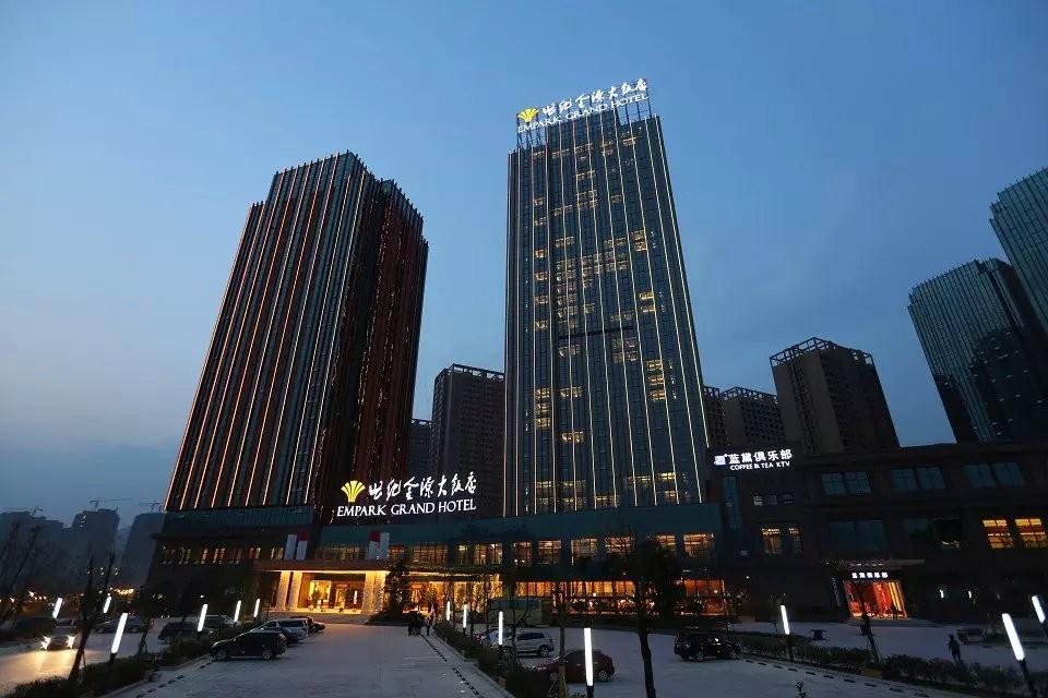 贵安新天地内规划有超五星级温泉商务酒店,五星级君豪酒店,温泉世界
